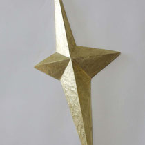 Twinkle No.1 H 40 × W 17 × D 3 cm  Wood(Camphor wood),Gold leaf,Drying oil,Wax 2020