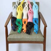 ねじれる人/Twisted people H76×W64× D78cm(Variable size) Cloth, Cotton yarn, Synthetic fiber yarn, Synthetic fiber wadding 2006