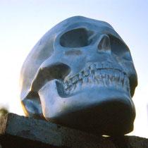 Skull H 36 × W 32 × D 40 cm Casting aluminum 1999