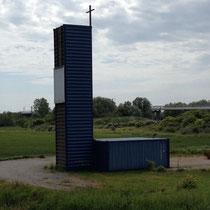 Eglise en containeurs à Dunkerque