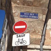Vélos autorisés dans la rue des Bonnes Femmes