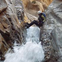 Descenso de Barrancos en Taghia, Atlas Central, Marruecos