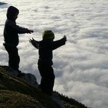 Einfach wunderbar:Über dem Wolkenfeld auf der Werfner Hütte