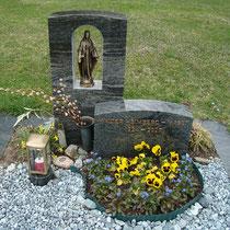 Familiengrabstein Nr.2