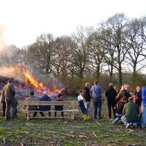 Osterfeuer in der Feldmark, 2009