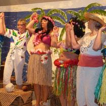 Die Theatergruppe begeistert die Zuschauer, 2014