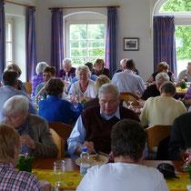 Treffen ehemaliger Schulkinder der Dorfschule 2011