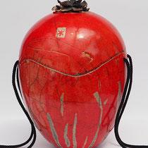 rote Urne, Raku mit Keramikrose