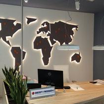 Weltkarte aus 19mm MDF hinterleuchtet
