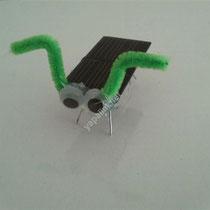 güneş enerjili robot