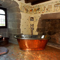 Copper bath Tennessus castle B&B