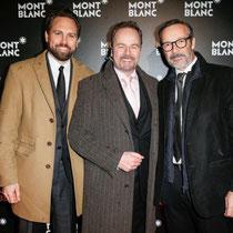 Steven Gätjen, Till Demtrøder und Michael Roll vor der Fotowand bei der Montblanc Boutique-Erföffnung in Hamburg.