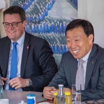 Beim Besuch des Bürgermeisters aus dem koreanischen Ansan