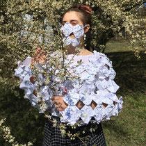 """VALERIA LEHNER, """"Papermagic"""" April 2020, Origami Fröbel Origami, aus original alten Mathematikschularbeiten"""