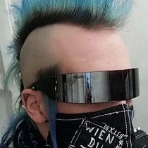 """Maske """"Wien du tote Stadt"""" von Legion Stuff, Black Denim/Gabardine/Baumwolle, Seidenfaden, Siebdruck Tinte, Stahl"""