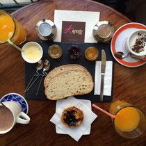 Frühstück bei Augusto: besonders lecker war die Doce de Abóbora (Kürbismarmelade)