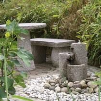 Kleine Nische mit Granitgarnitur