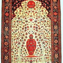 Feraghan Gebetsteppich, ca 220 x 130 cm, erstklassige Erhaltung, entstanden 2. Drittel 19. Jhdt., feine Knüpfung, Naturfarben