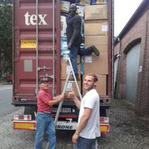 Der Platz im Container wurde bei der Bepackung bis zum letzten Zentimeter ausgenutzt