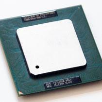 Intel Celeron 1300 MHz Tualatin-256 SL6C7