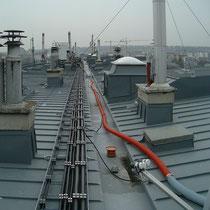 Schlauchführung am Flachdach, ca. 150 m bis zum Einblasort