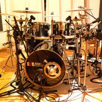 Drum-mikrofonie im Aufnahmeraum