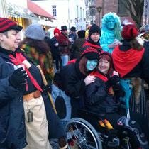 Egal, ob wir Krücken oder einen Rollstuhl brauchen, auf die Fasnacht geht es trotzdem