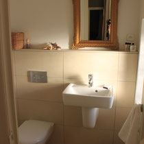 Ensuite, sink and WC