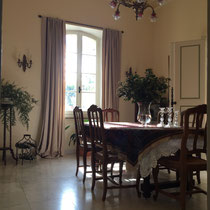 Breakfast / Dining room