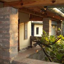 Terrasse mit Weinstock