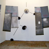 """""""Questione di tempo"""", 2008, installazione, carta di riso, stampa digitale, grafite"""