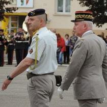 Le CEMAT avec le chef de corps.