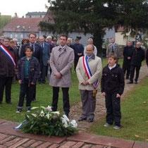25.10.2014, cérémonie pour les 50 ans du jumelage Saverne/Donaueschingen, dépôt de gerbe au cimetière militaire allemand.