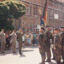 1994, le col Falzone, à gauche, le Gal Friedrich Cdt la BFA (1993-1995).