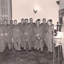 Col Most, chef de corps (81-83), à droite le SCH Hermitte.