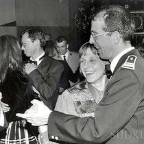 Bal de garnison, le Col Falzone et madame Falzone.