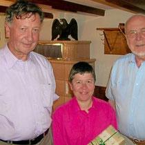 Pascale Seguy wurde nach fünf Jahren Postdienst von den Mitgliedern der DFG verabschiedet.