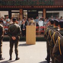 1994, la passation de commandement se déroule dans la ville de Donaueschigen, Villingerstrasse.
