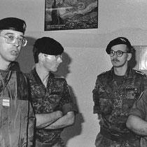 Colonel Falzone, chef de corps du 110 de 1992 à 1994, à côté de lui le Major Miller, second du 292.