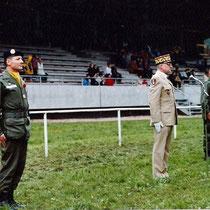 Passation de commandement entre le col Doussineau (79-81) et le col Most (81-83)