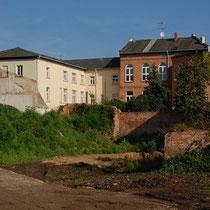 Im Hintergrund die ehemalige Handelsschule Richtung Schlossstraße