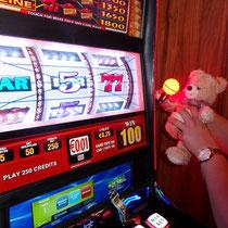 Lotta im Casino