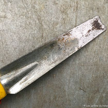 Couteau désherbeur