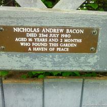 'Memorial bench', Saint John's Lodge garden, Regent's Park, Londres  - © Sandrine Tellier