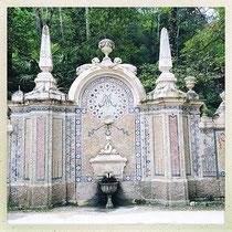 Quinta da Regaleira - Fontaine totalement recouverte de mosaïques faites de petits cailloux © Sandrine Tellier