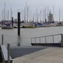 Der Sportboothafen in Cuxhaven