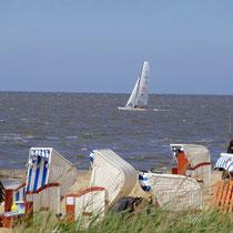 Segler in der Nordsee vor Sahlenburg