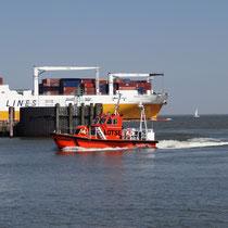Lotsenboot im Hafen von Cuxhaven. Lotsen Station.