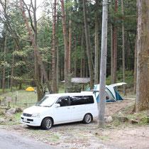 キャンプ場。