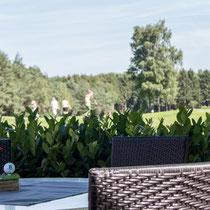 Terrasse mit Blick auf Loch 18